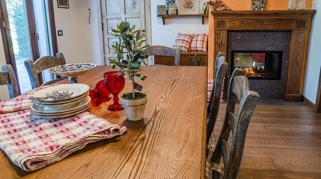 Arredamento Country, cucine e mobili artigianali su misura, oggetti e decori per la casa